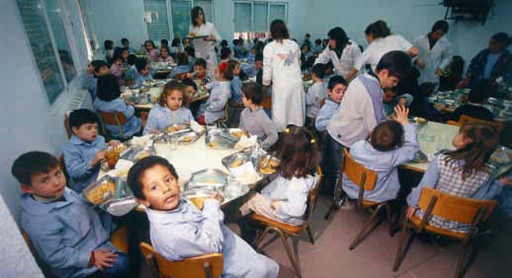 El oficialismo defendió la asistencia alimentaria en comedores y PLAONUP