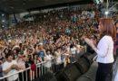 Cristina Kirchner relanzó su campaña con críticas al Gobierno