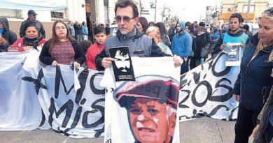 El hijo de Julio López encabezó marcha a 11 años de la desaparición de su padre