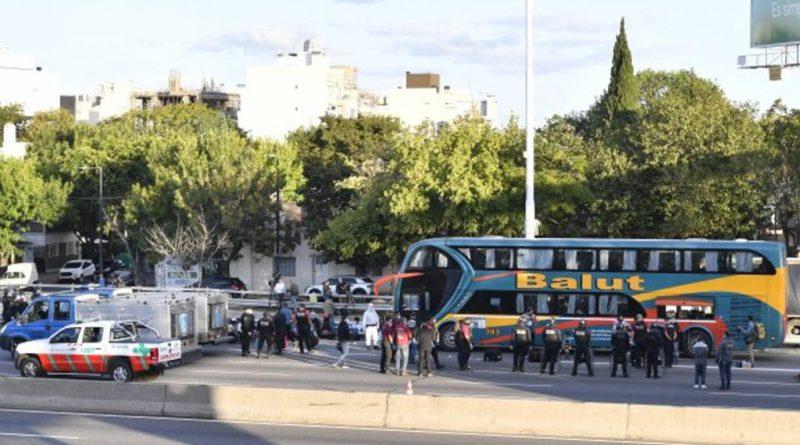 Detuvieron en Capital a un micro con 61 pasajeros que fue desde Jujuy