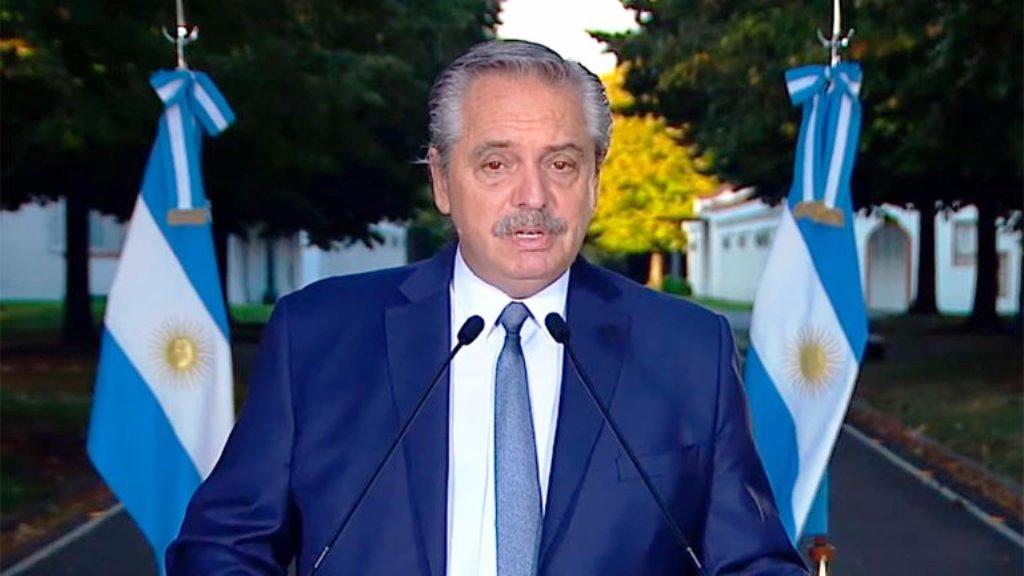 """Alberto Fernández le tomó juramento a los nuevos ministros: """"No me van a ver atrapado en disputas innecesarias"""""""