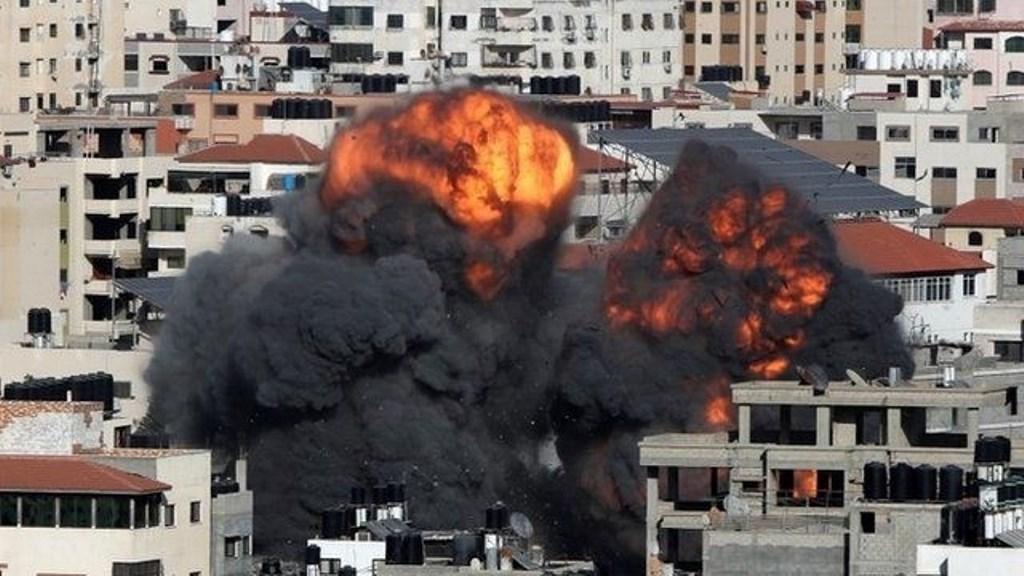 Tensión en Medio Oriente: bombardearon Gaza y luego, varios misiles impactaron en pleno centro de Tel Aviv
